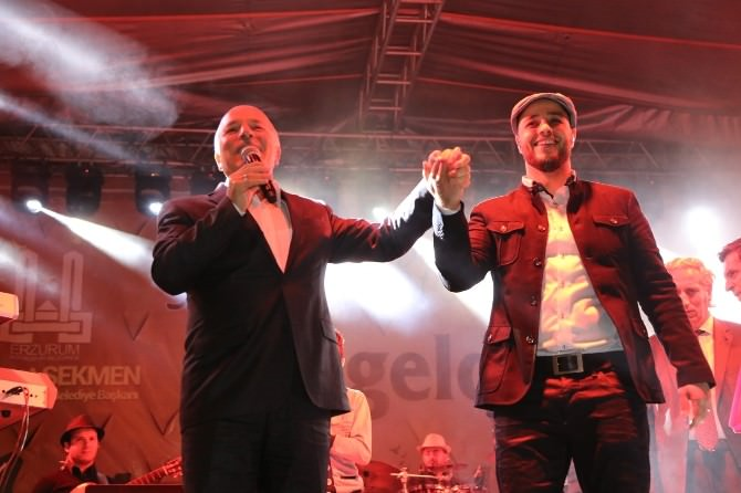 'Erzurum Ramazan Geceleri'nde Maher Zain Coşkusu