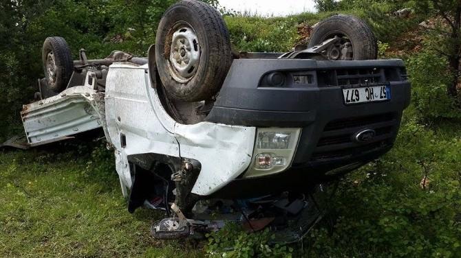 Kastamonu'da Kamyonet Takla Attı: 2 Yaralı