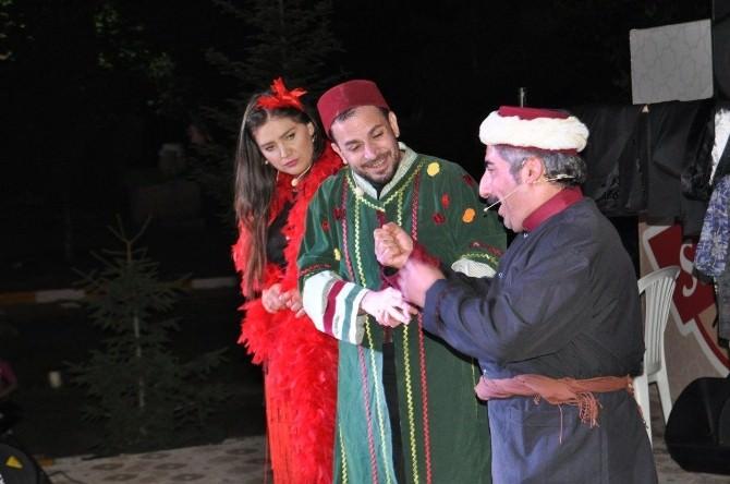 Seksenler Dizisi Oyuncuları Seydişehir'de Sahne Aldı