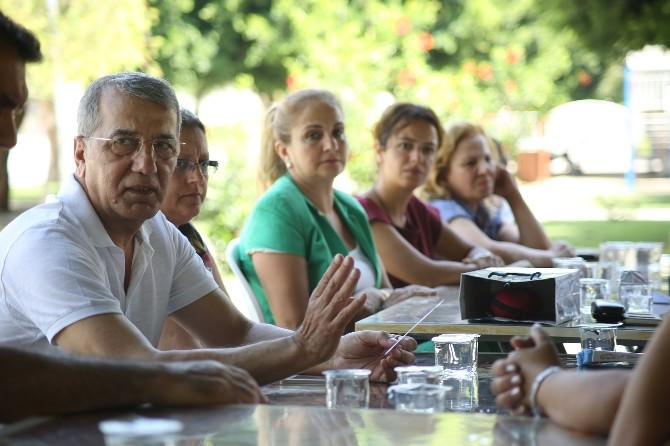 Başkan Tarhan Gönüllülerle Bir Araya Geldi