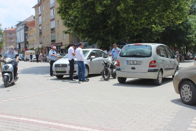 Otomobil İle Motorsiklet Çarpıştı: 1 Yaralı