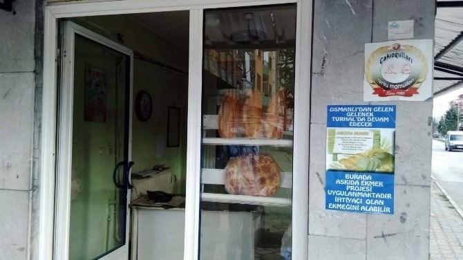 Gençlerden Askıda Ekmek Kampanyası