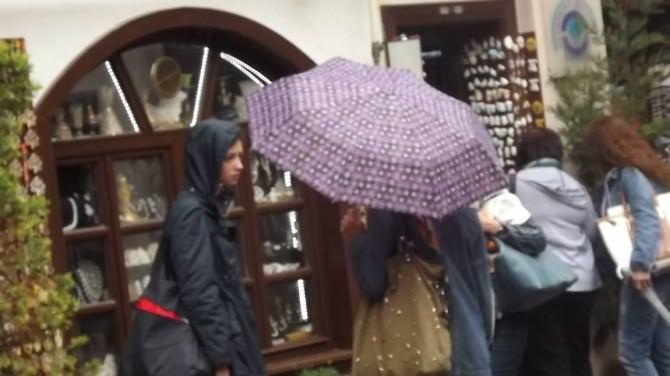 Turistler Yağmur Çamur Dinlemedi