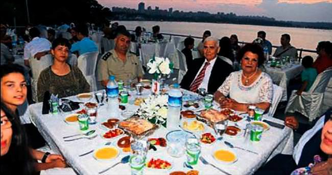 Gaziler ve şehit yakınlarına iftar