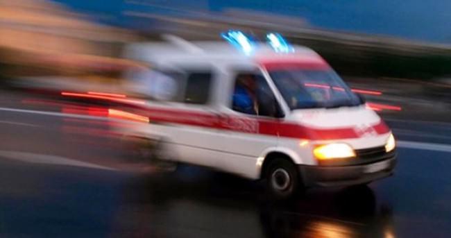 İzmir'de otomobil bahçeye devrildi: 2 yaralı