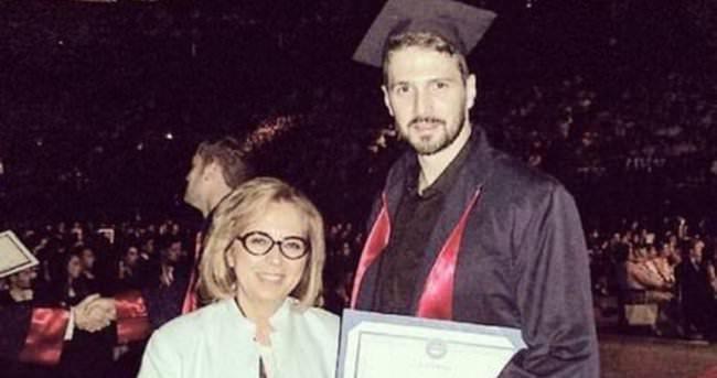 Emre Kızılırmak mezun oldu