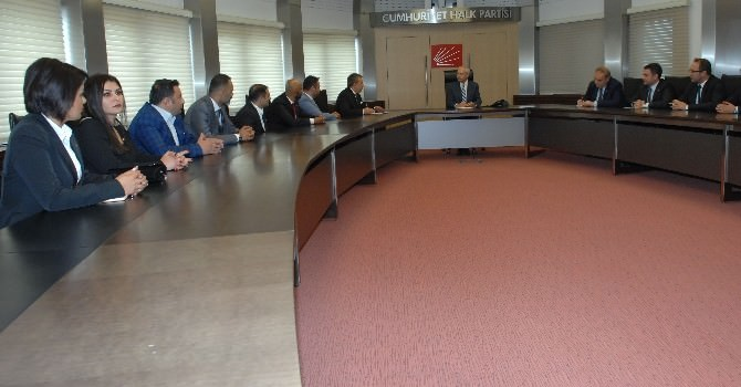 Kılıçdaroğlu, Güney Ve Güneydoğu Genç İşadamları Federasyonu Yöneticilerini Kabul Etti