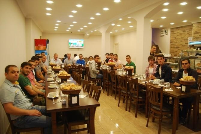 Malkara'da Esnaftan Gözsüzspor'a İftar Yemeği
