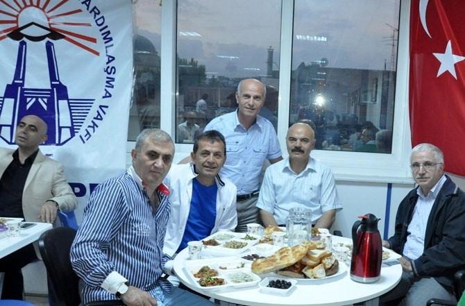 Maltepe Erzurumlular Vakfında Hergün 200 Kişiye İftar Veriliyor