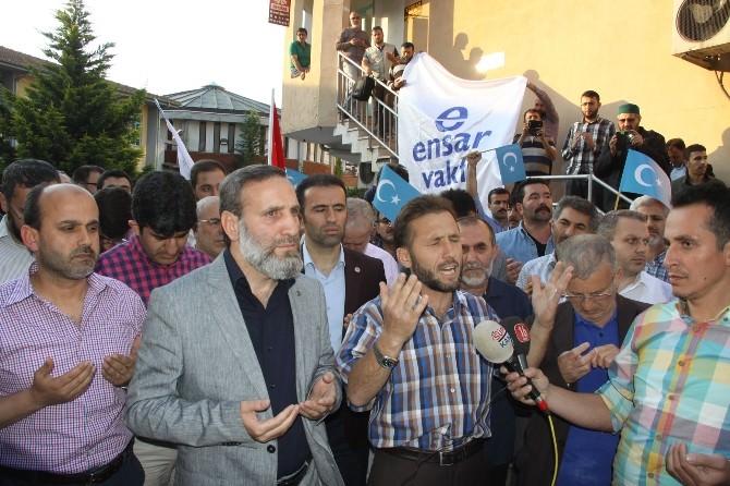 Doğu Türkistan'daki Zulme Lanet Yağdı