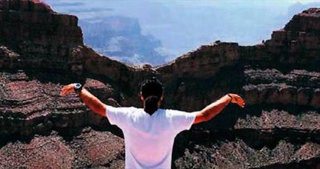 Büyük Kanyon'da bir Kartal
