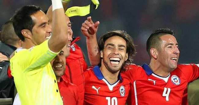 Copa America'da ilk finalist Şili