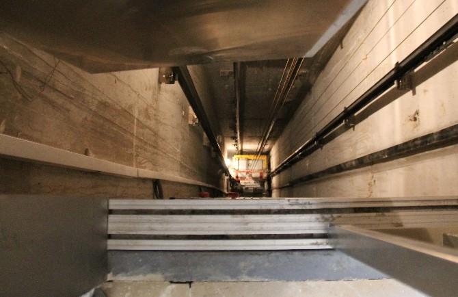 Asansör Kurbanı 2 Yaşındaki Ayşegül Toprağa Verildi