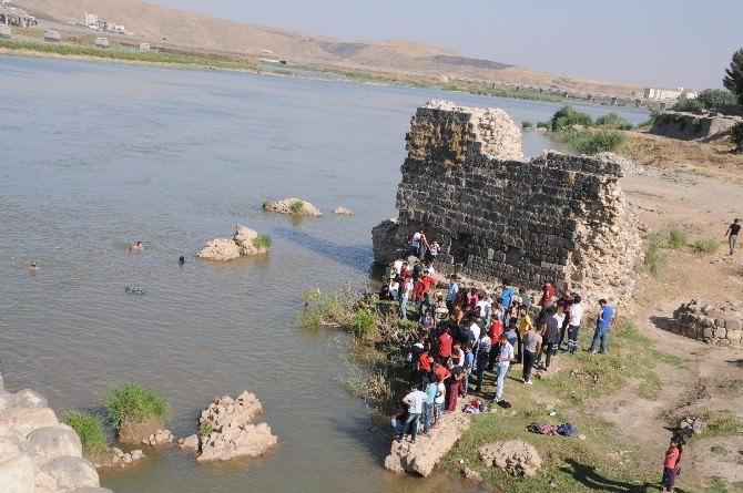 Cizre'de Dicle Nehri'ne Giren 15 Yaşındaki Çocuk Boğuldu