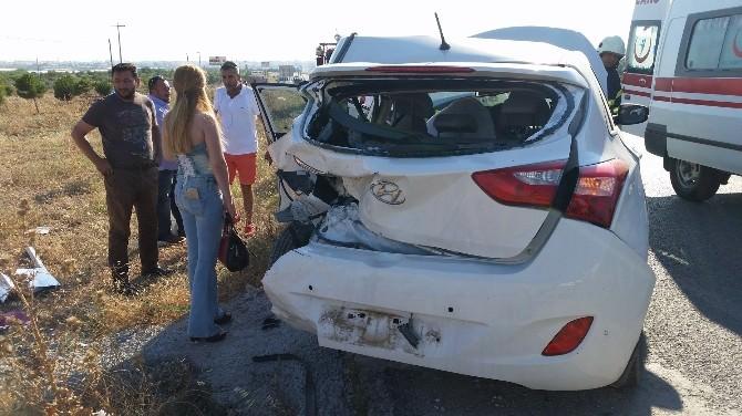 Didim'de Trafik Kazası; 2 Yaralı