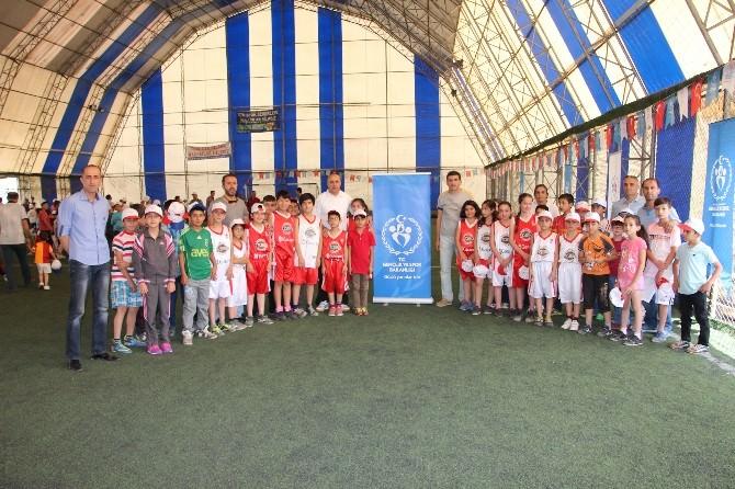 Hakkari'de Yaz Spor Okulları Açıldı