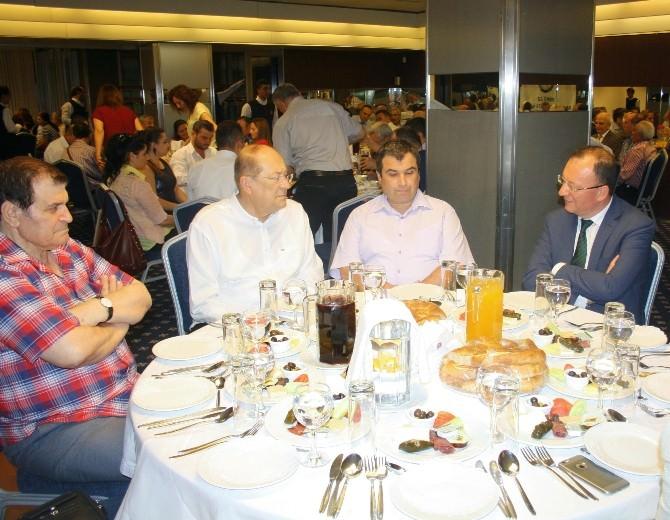 İzmir'de Esnaf İftarda Buluştu