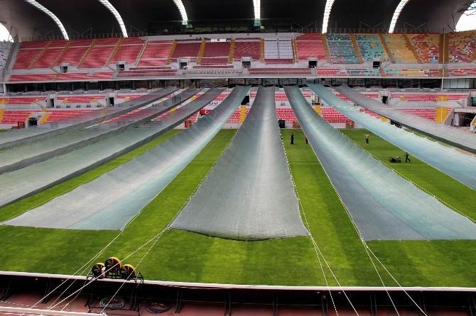 Kadir HAS Stadyumu'nda Çimlere 'Perde' Koruması