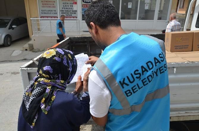 Kuşadası'nda 2500 Aileye Ramazan Yardımı