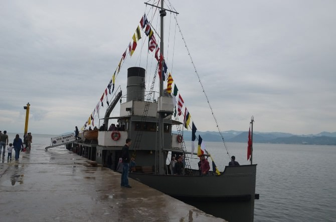 Tcg Nusret Mayın Gemisi Fatsa'ya Demir Attı