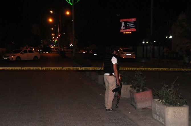 Cizre'de Park Halindeki Şüpheli Araç Polisi Harekete Geçirdi