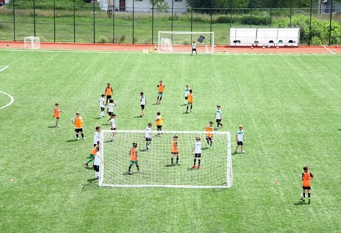 Sakaryaspor Yaz Spor Okulları Eğitimleri Başladı