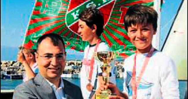 Yelkenciler, kupa için yarıştı