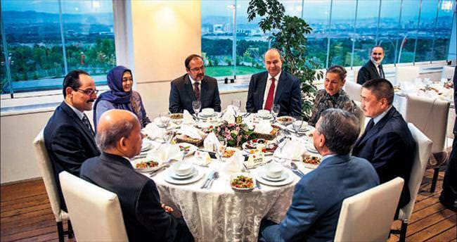 İslam ülkelerine Beyaz Ev'de iftar