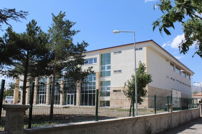 Erzincan Gençlik Merkezi Yeni Yerinde Hizmete Başladı