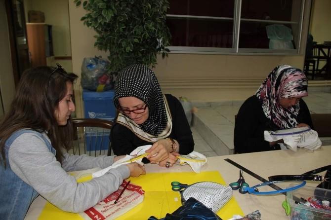 Kadınlar Hem Meslek Öğreniyorlar, Hem El Becerilerini Geliştiriyorlar