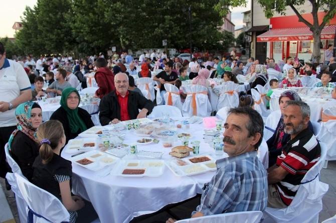 Mahallemde İftar Var Programı Arifiye'de Gerçekleşti