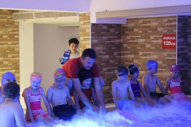 Serdivan Yaz Okulları'nda Yüzme Zamanı