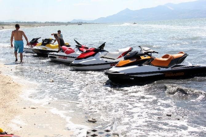 Su Jeti Ve Flyboard Şampiyonası'nın 4'üncü Ayağı Burdur'da Yapılacak?