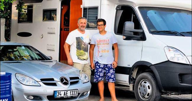 Lüks villaların arasında karavan tatili