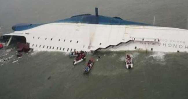 170 yolcu taşıyan feribot battı! Ölüler var