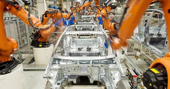 Fabrikada robot işçiyi öldürdü