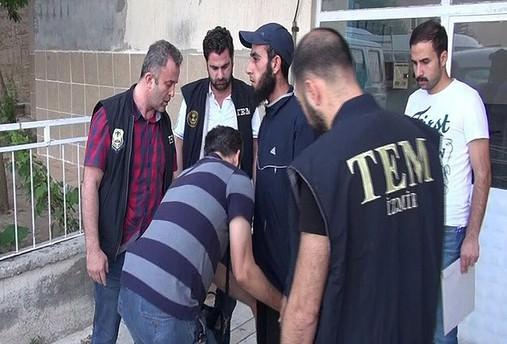 İzmir'de gözaltına alınanlar DAEŞ adına çatışmalara katılmış