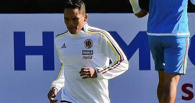 Milan golcü Bacca'yı transfer etti