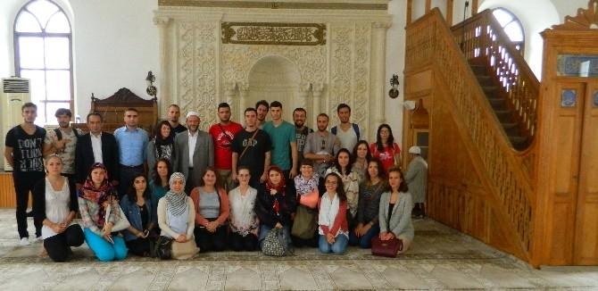 Yabancı Öğrenciler Camide