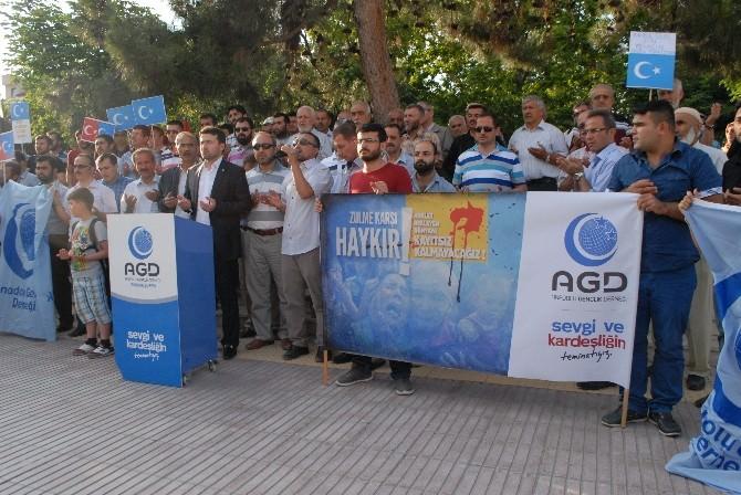 Burdur'da Doğu Türkistan Zulmü Protesto Edildi