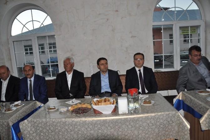 Ağrı Valisi Eleşkirt Belediyesinin İftar Yemeğinde