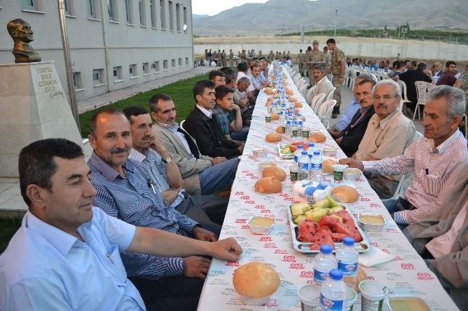 Doğanşehir'de Şehit Ailelerine İftar Yemeği