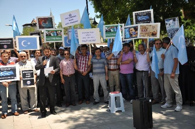 Karaman'da Doğu Türkistan'da Müslümanlara Yönelik Saldırılar Protesto Edildi