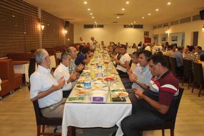 Kumluca'da Hayırseverlere İftar Yemeği Verildi