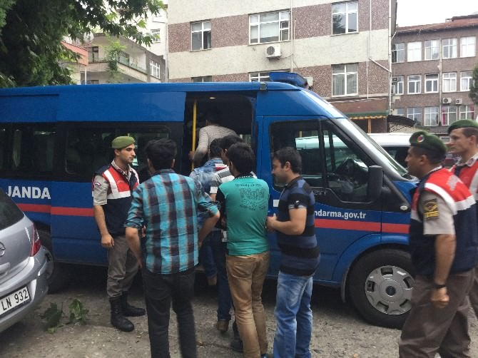 Kaçak Tekstil İşçileri Sınır Dışı Edildi