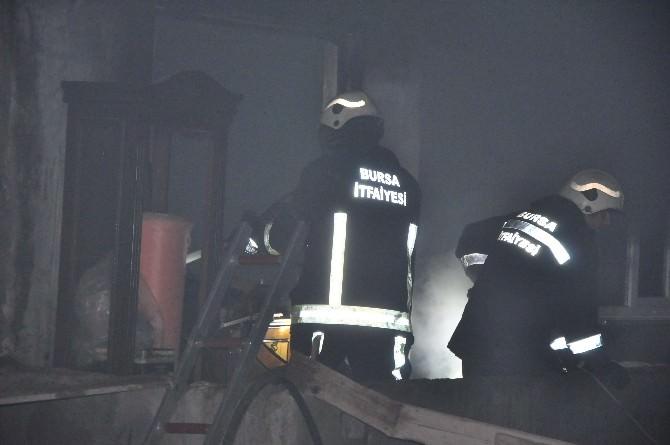 Bursa'da Sahur Vakti Yangın Korkuttu