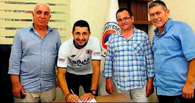Fethiyespor Onur'la anlaştı