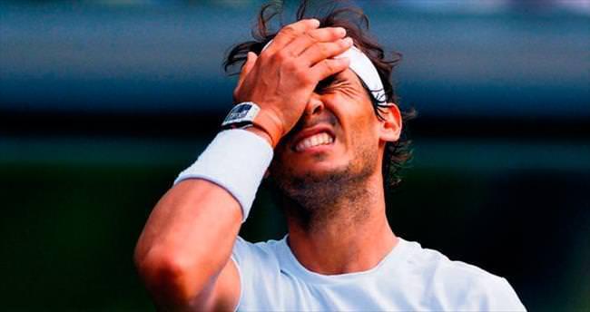 Nadal'ın yine 100'ü asıldı