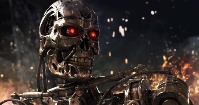 Üretim robotu, fabrikada çalışan genç adamı öldürdü