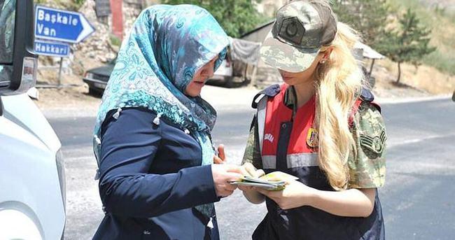 Hakkari'de Jandarma'dan 'Kadına şiddete hayır' çalışması